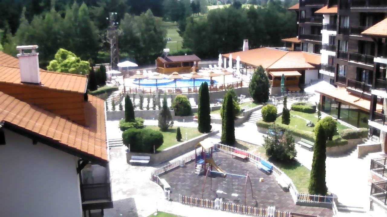 Разлог времето уеб камера център, централен площад, фонтан, парк, Пирин планина